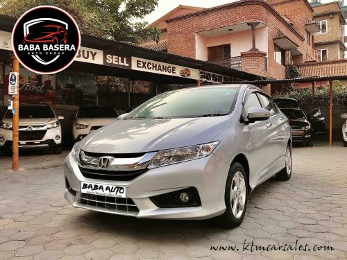 Honda City VMT Excellent condition with Reverse camera, Climate Ctrls and Reverse sensors