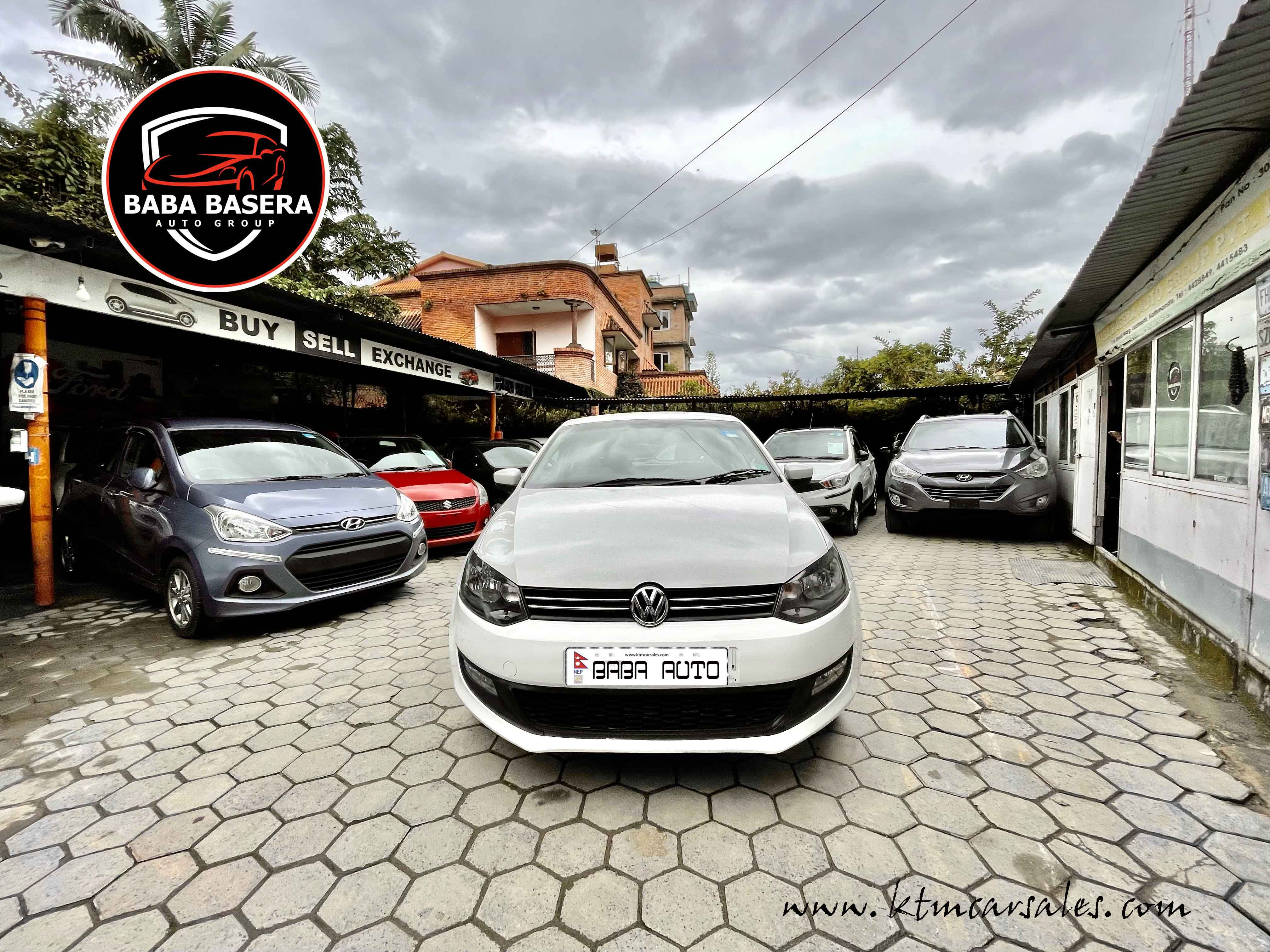 Single Owner Volkswagen POLO HighLine immaculate condition - Image 12