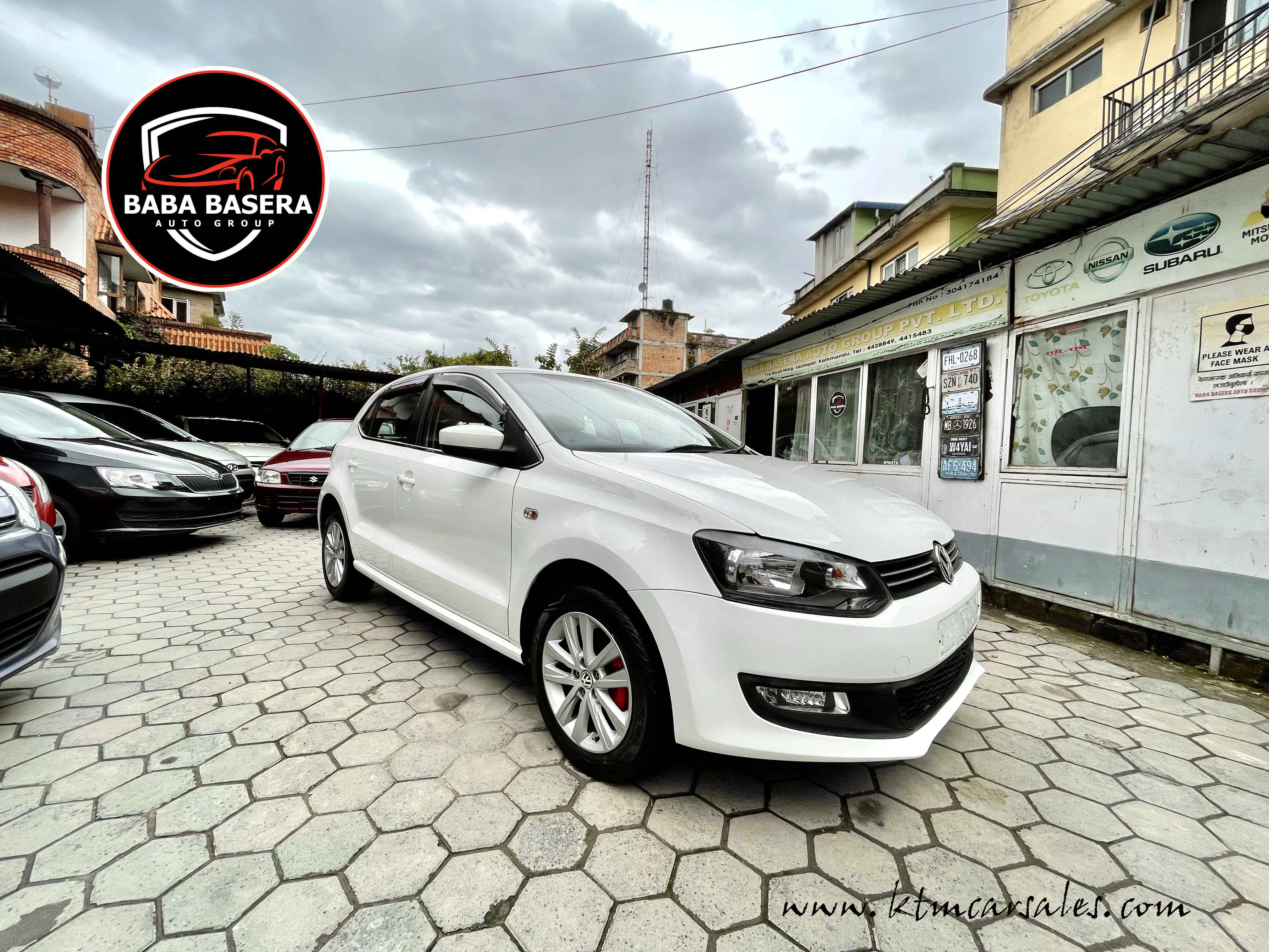 Single Owner Volkswagen POLO HighLine immaculate condition - Image 6